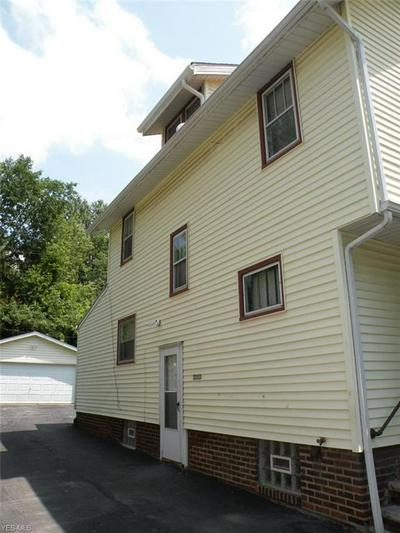 915 SELWYN RD, Cleveland Heights, OH 44112 - Photo 2