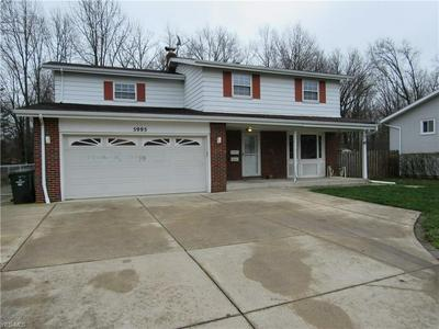 5995 FOREST RIDGE DR, NORTH OLMSTED, OH 44070 - Photo 1