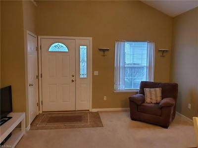 642 SOUTHBAY DR, Wadsworth, OH 44281 - Photo 2