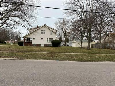 2145 N TAYLOR RD, CLEVELAND HEIGHTS, OH 44112 - Photo 2