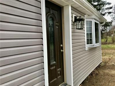 5412 FAIRLAND RD, NEW FRANKLIN, OH 44203 - Photo 2