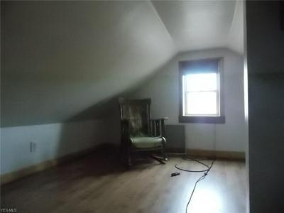18616 PAWNEE AVE, Cleveland, OH 44119 - Photo 2