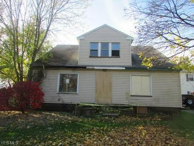 2219 N GLENWOOD AVE, Niles, OH 44446 - Photo 1