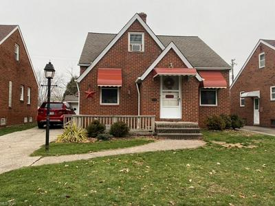 5710 GILBERT AVE, Parma, OH 44129 - Photo 1