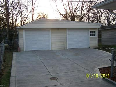 5390 ROLAND DR, Garfield Heights, OH 44125 - Photo 2