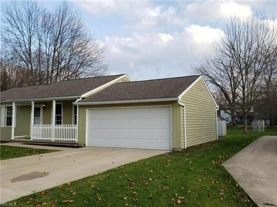 8663 FAIRLANE DR, Olmsted Township, OH 44138 - Photo 2