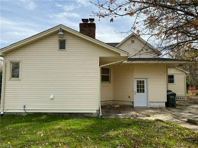 7456 COLUMBIA RD, Olmsted Falls, OH 44138 - Photo 2