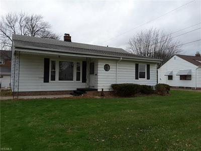 11580 AARON DR, Parma, OH 44130 - Photo 1
