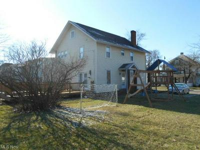 306 S 9TH ST, Coshocton, OH 43812 - Photo 2