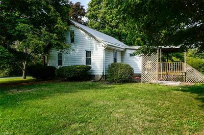 572 N OHIO BLVD, Salem, OH 44460 - Photo 2