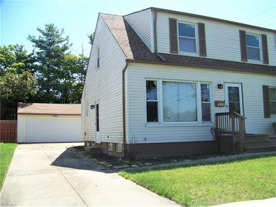 424 TERRACE DR, Bedford, OH 44146 - Photo 2
