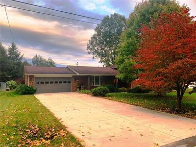 210 LINDSEY AVE, Marietta, OH 45750 - Photo 2