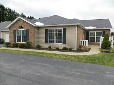 162 WOODBURY GLEN ST, Hartville, OH 44632 - Photo 2