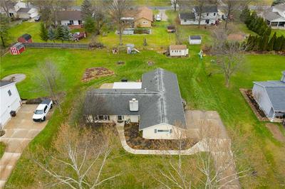 67 CHELMSFORD DR, Aurora, OH 44202 - Photo 2