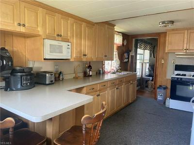 572 E MCCONNEL AVE, McConnelsville, OH 43756 - Photo 2