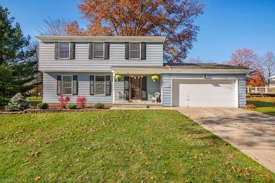 8042 N HILLS DR, Broadview Heights, OH 44147 - Photo 1