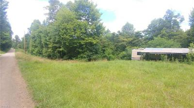 8505 EUGA RD, Newcomerstown, OH 43832 - Photo 2