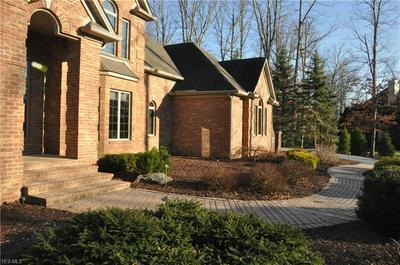 35 OAKMONT CT, CANFIELD, OH 44406 - Photo 2