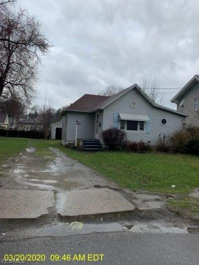 2025 MAPLE AVE NE, CANTON, OH 44714 - Photo 1