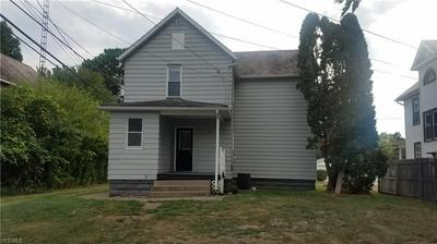 319 LINCOLN AVE, Dover, OH 44622 - Photo 2