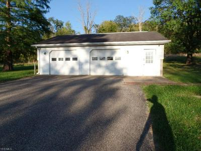 453 N 8TH ST, McConnelsville, OH 43756 - Photo 2