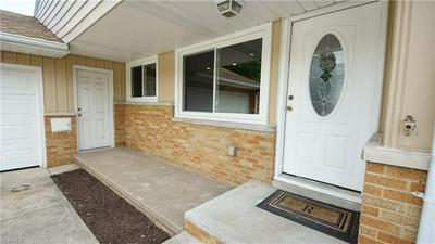 5871 GRAYDON DR, Seven Hills, OH 44131 - Photo 2