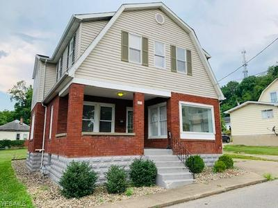 641 COLUMBIA AVE, Parkersburg, WV 26101 - Photo 1