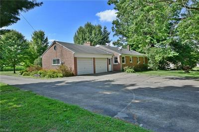 487 N HUBBARD RD, Lowellville, OH 44436 - Photo 2