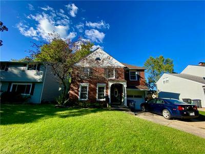 33585 BALDWIN RD, Solon, OH 44139 - Photo 2