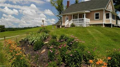 14600 GEORGE LAWRENCE RD, Caldwell, OH 43724 - Photo 2