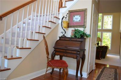 5558 RIDGEWOOD LN, Brecksville, OH 44141 - Photo 2