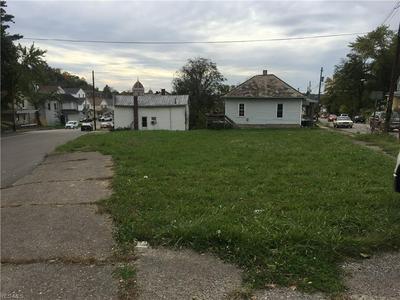 1063 GREENWOOD AVE, Zanesville, OH 43701 - Photo 1