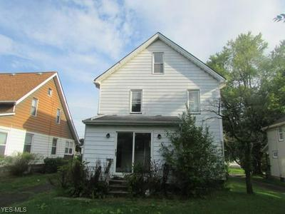 102 CREED ST, Struthers, OH 44471 - Photo 2