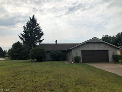 4070 CASTLEWOOD CT, Perry, OH 44081 - Photo 1