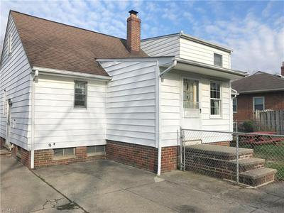 10861 BARRINGTON BLVD, Parma Heights, OH 44130 - Photo 2