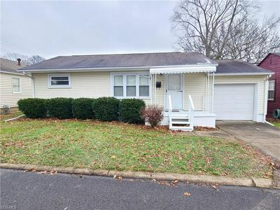 1625 ADAMS ST, Coshocton, OH 43812 - Photo 1