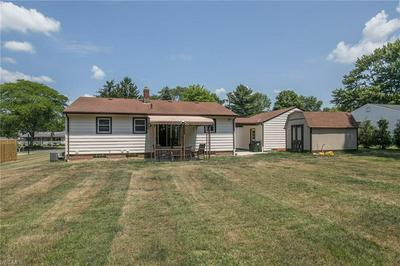 10011 GABRIELLA DR, North Royalton, OH 44133 - Photo 2