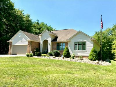 2100 STATE LINE RD, Hubbard, OH 44425 - Photo 1