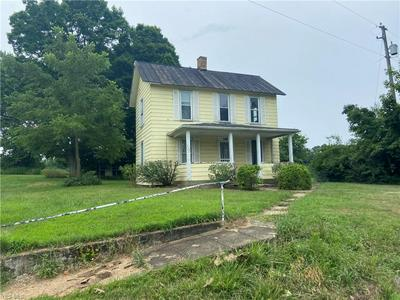 10110 TRIADELPHIA RD NW, Crooksville, OH 43731 - Photo 1