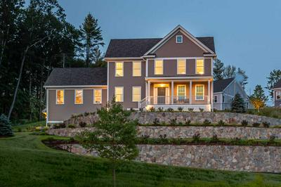 18 SCENIC DR, Manchester, NH 03104 - Photo 1
