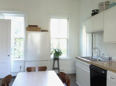 425 MIDDLE ST APT 5, Portsmouth, NH 03801 - Photo 2