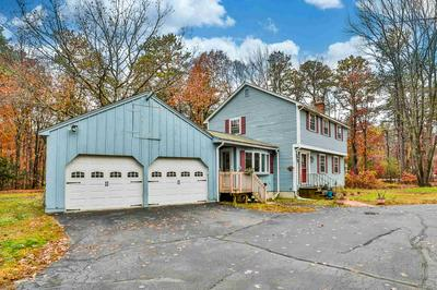 15 HICKORY DR, Amherst, NH 03031 - Photo 2