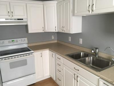 22 SOUTH ST, Exeter, NH 03833 - Photo 1