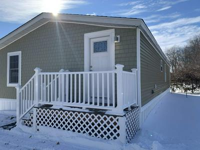 15 LINDENSHIRE AVE, Exeter, NH 03833 - Photo 2
