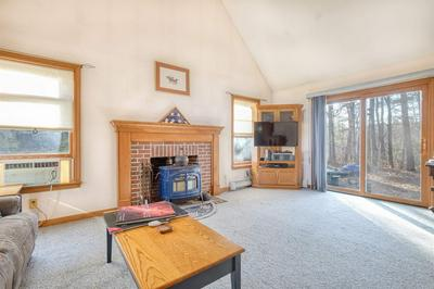 13 DEER HOLLOW DR, Amherst, NH 03031 - Photo 2