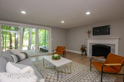 18 COACH RD, Exeter, NH 03833 - Photo 2