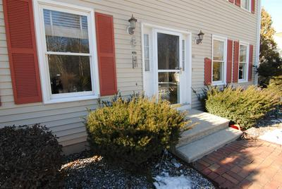 40 MALLARD PT, Merrimack, NH 03054 - Photo 2