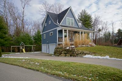 8 SQUIRE WAY, Exeter, NH 03833 - Photo 2