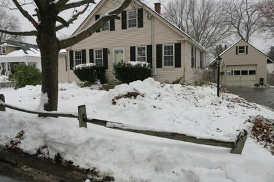 15 GREEN HILL RD, Exeter, NH 03833 - Photo 1