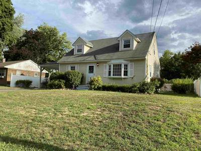 7 KENNEDY DR, Nashua, NH 03060 - Photo 2